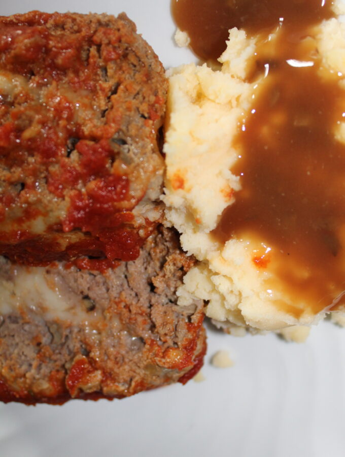 Amazing stuffed meatloaf
