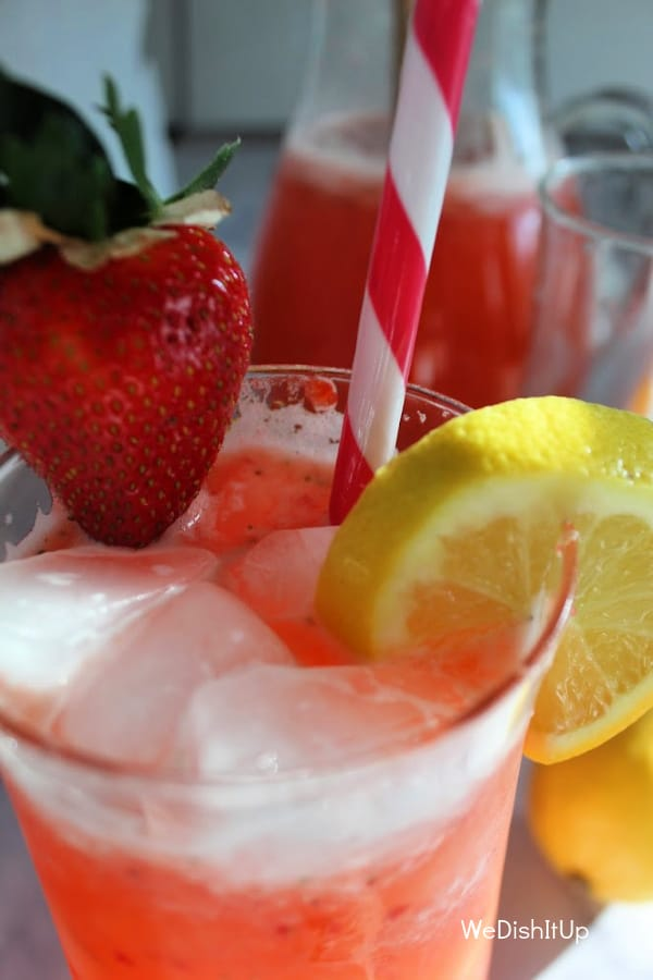 Strawberry Lemonade With Lemon Wedge