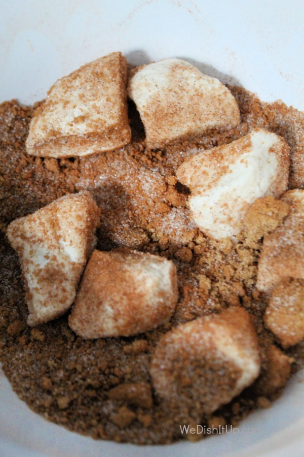Biscuits in Cinnamon Sugar